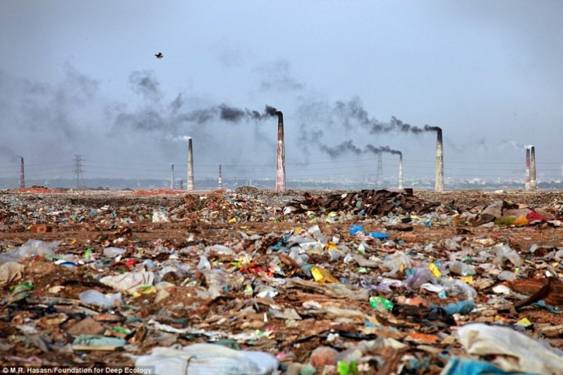 A waste incineration plant and its surroundings in Bangladesh - hefty.co