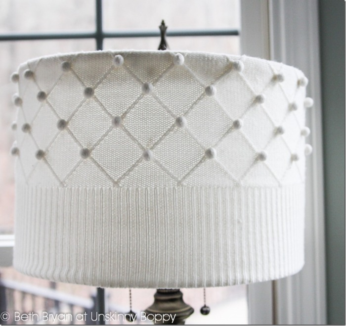 DIY-Sweater-Lampshade-Tutorial-by-Unskinny-Boppy-www.unskinnyboppy.com-2_thumb (1)