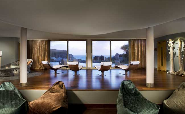 Scarlet-spa-light-relaxation-room-HPG